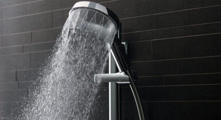tecuca-voda-v-sprche